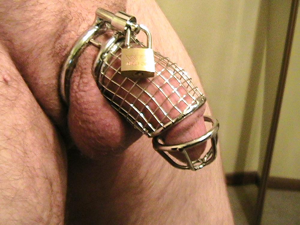 closer cock cage