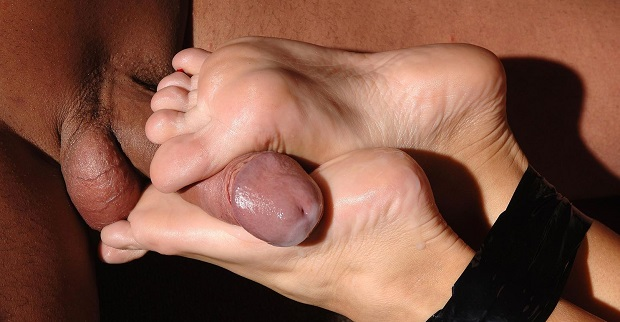 how to give a footjob cover photo